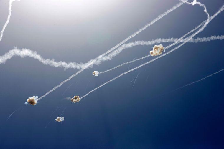 Los cohetes disparados desde la Franja de Gaza son interceptados por el sistema de defensa israelí