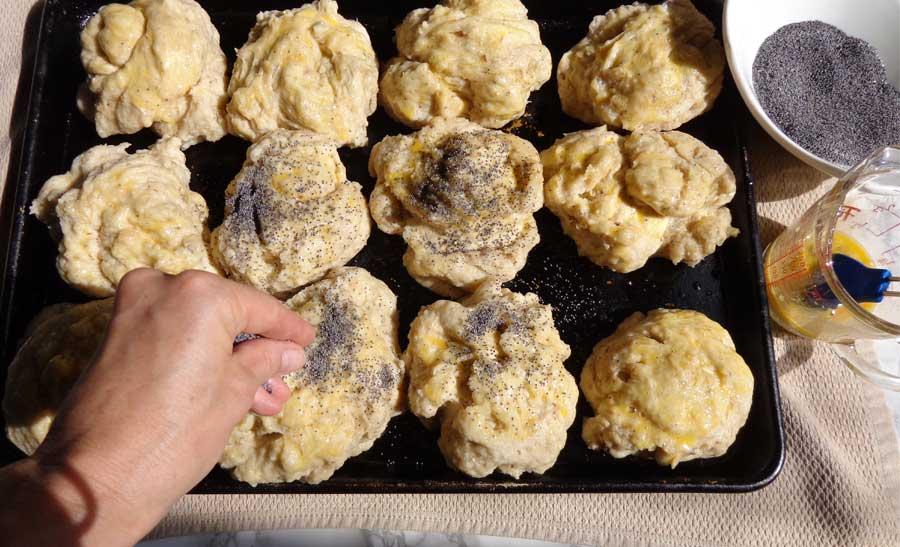 easy bagel recipe - Sprinkling poppy seeds
