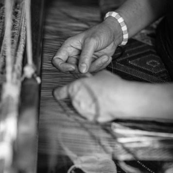 luang prabang woman weaving loom
