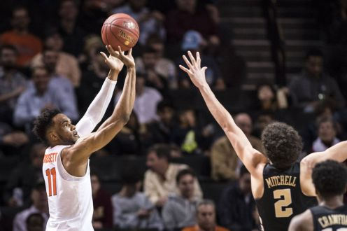 Syracuse outlasts Wake Forest