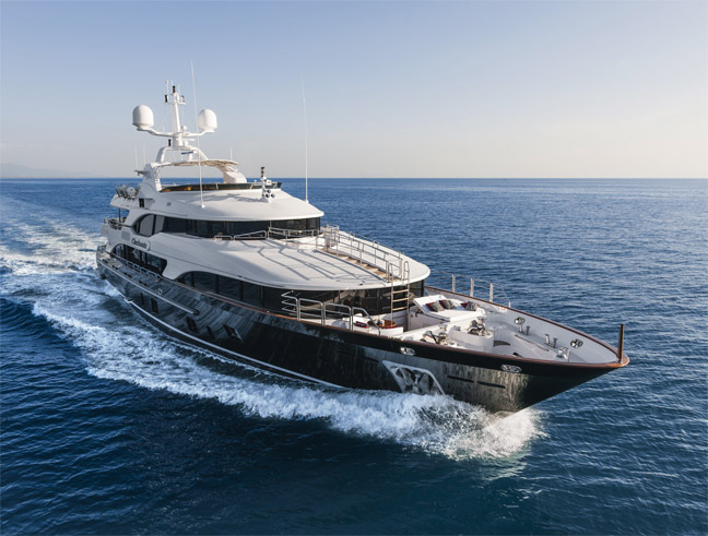 The 7 Exclusive Journal Benetti Vision 145 Checkmate La Star De Fort Lauderdale