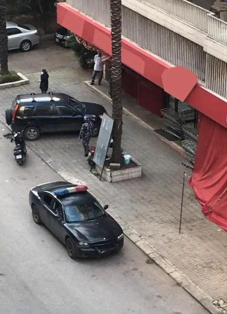 Police closes supermarket amid coronavirus scare