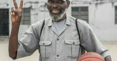 COACH OLIVER JOHNSON: TRIBUTE TO A SUPER LEGEND By Col Sam Ahmedu 5