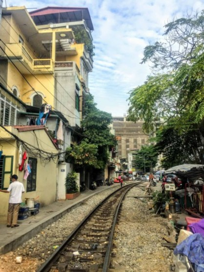 vietnam-train-tracks