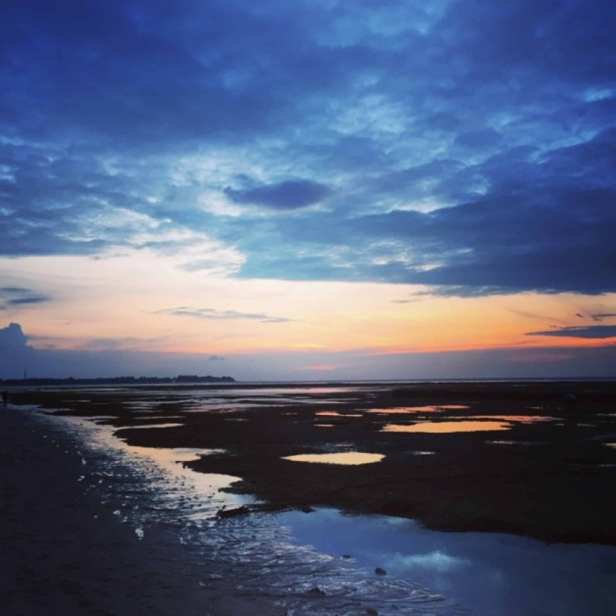 gili air sunset low tide