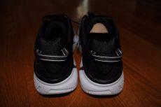 Hoka One One Clifton 3 heel