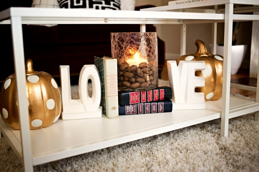 Easy Fall Decor Decorating Ideas! How to be chic on a budget this fall! | theadoredlife.com