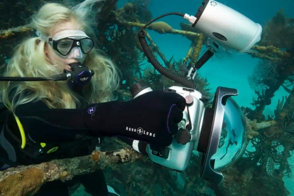 how to choose a lens for underwater photo