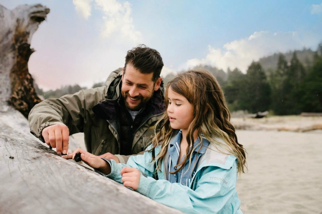 RV-Rental-Dad-and-Daughter-The-Adventure-Travelers