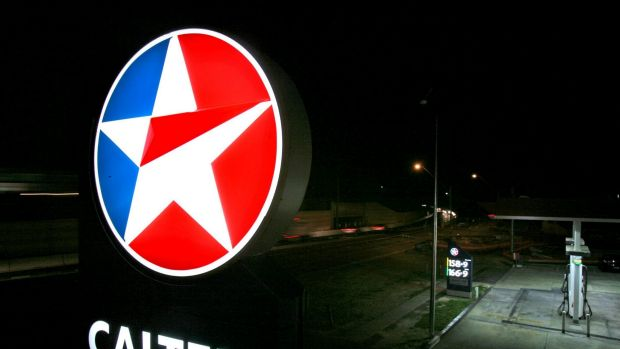 "Caltex says it is trying to ""do the right thing"" by underpaid workers"