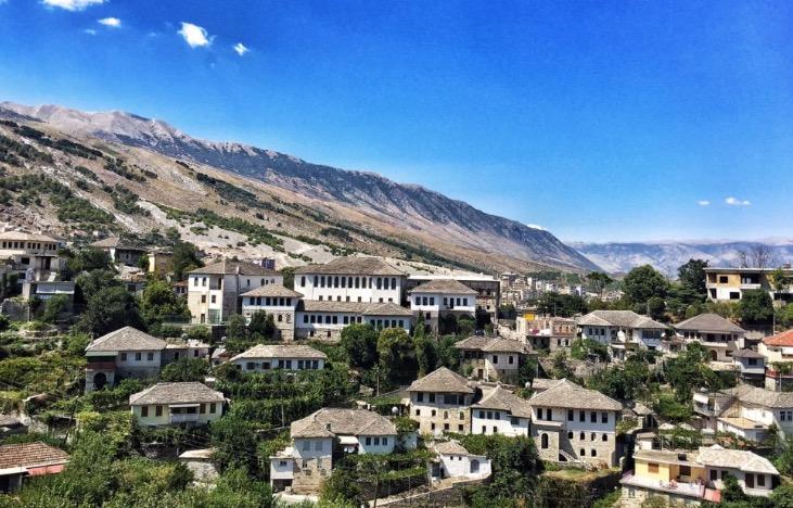 75 arsye për të udhëtuar në Shqipëri. Menjëherë!