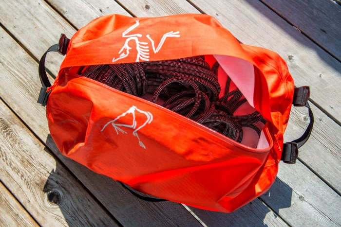 Arcteryx_Carrier_Duffle_review_003