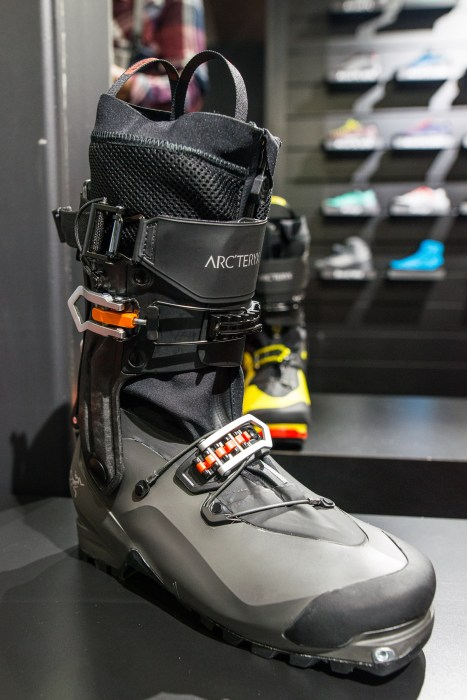 Arcteryx_ProCline_Boot-1