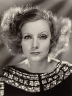 Top 10 Real-Life Spinsters: Greta Garbo
