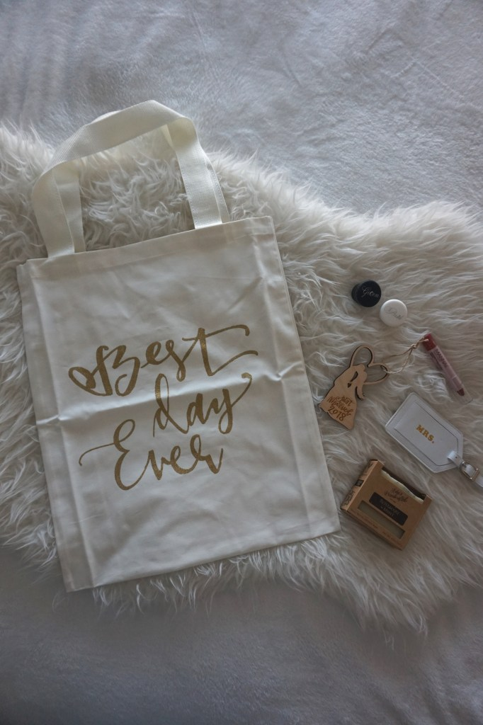 Things that are inside the December Bride Box