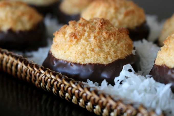 easy chocolate dipped coconut macaroons