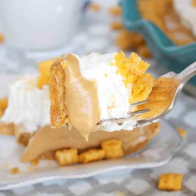 Cap'n Crunch No Bake Peanut Butter Pie