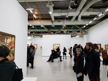 אנשים מבקרים במוזיאון ANDRE DERAIN במרכז פומפידו