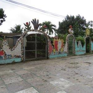 עבודות צבעים בלב קובה. צילום: איריס עשת כהן