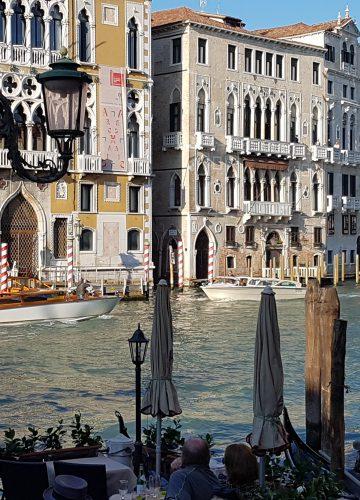 האוצרות של Damien  Hirst  דמיאן הירסט  בונציה