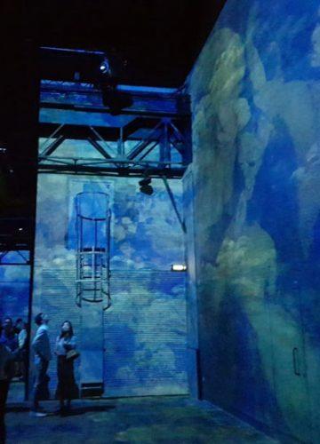 התערוכה הכי מדוברת  בפריז  Atelier Des Lumieres Gustav Klimt