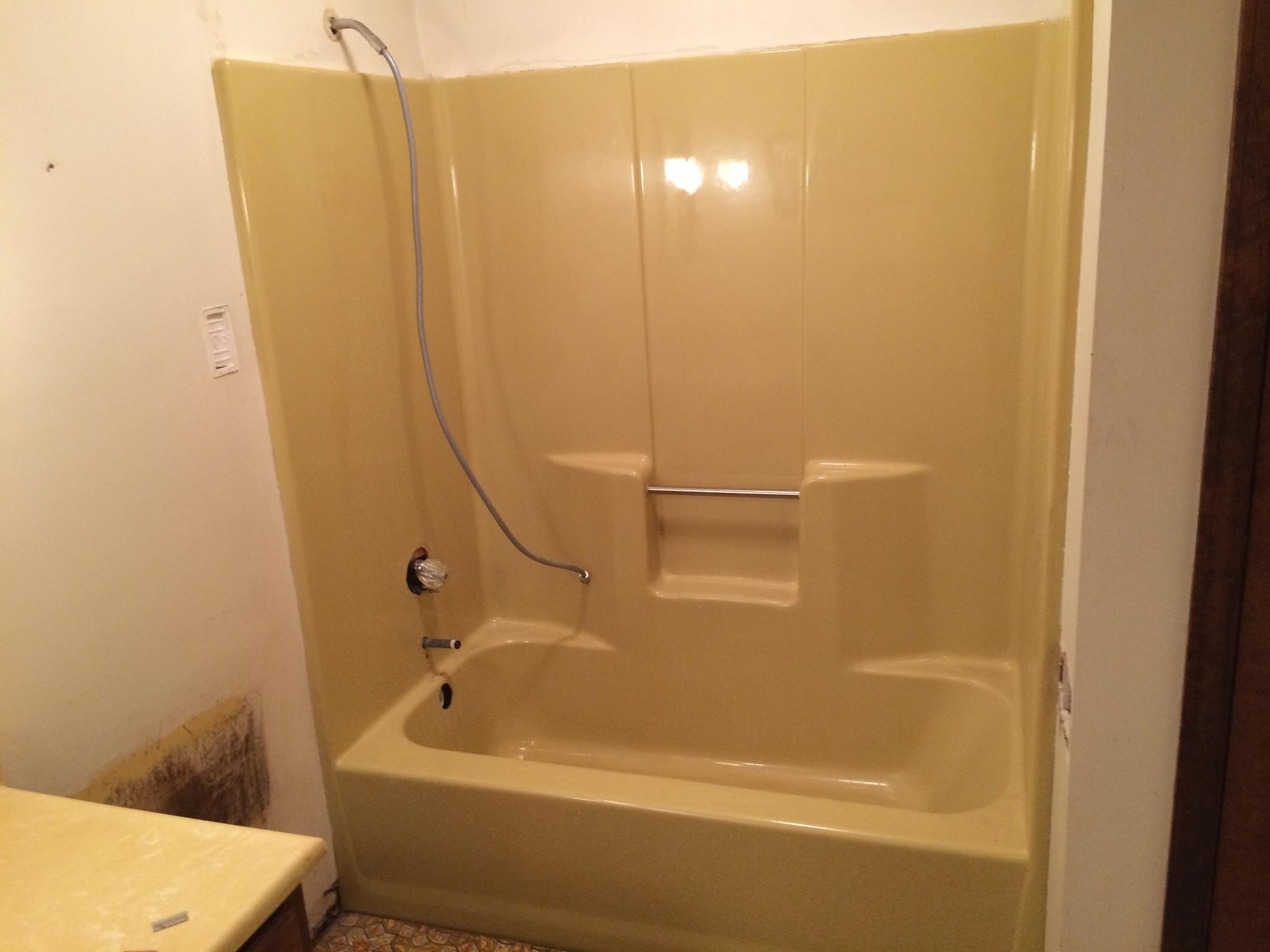 Can a fiberglass tub be resurfaced  Total Bathtub RefinishingTub Reglazing Service