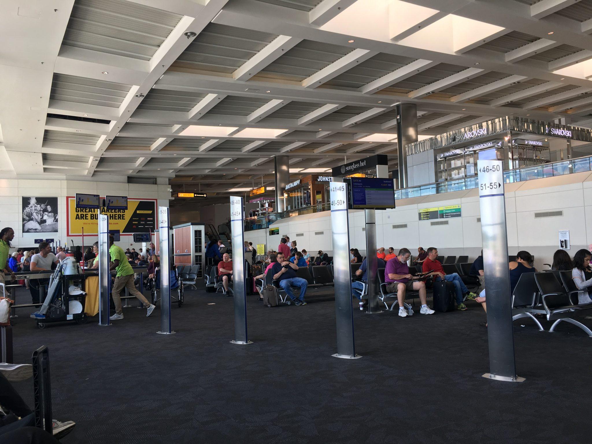 Resultado de imagem para southwest airlines boarding