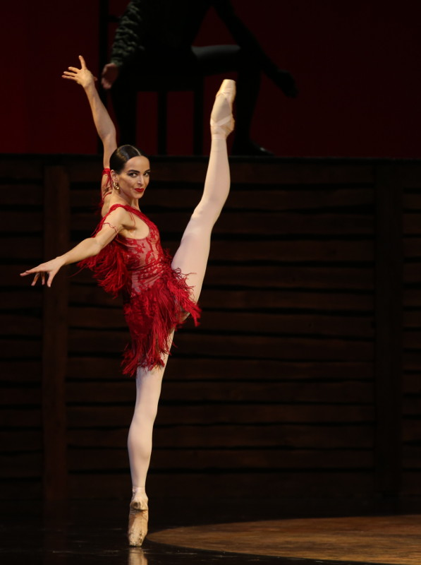 Contrasts Mariinsky Ballet review  company shows off