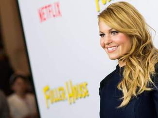 Fuller House Star Candace Cameron Bure Called Fake By Fans