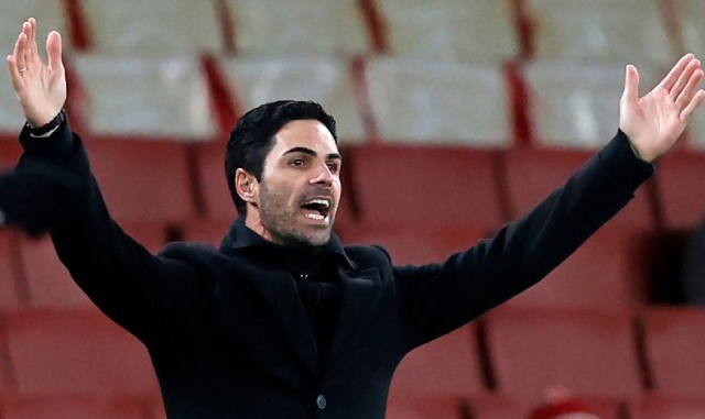 """""""Had enough of this manager"""" – Arteta slammed by these angry Arsenal fans for surprise call for Fulham game"""
