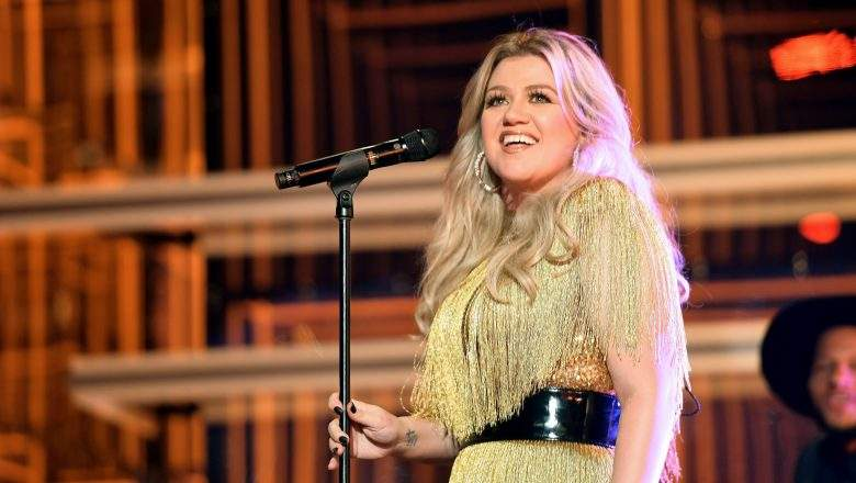 Kelly-Clarkson-Reveals-When-She-Will-Return-to-'The-Voice.jpg
