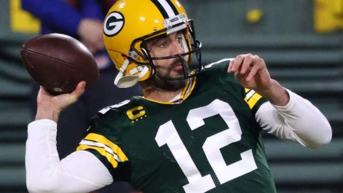 Former Packers Exec Shares Bleak Outlook on Rodgers' Future