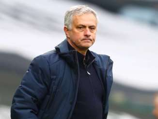 Mourinho warned about Roma squad after taking new job