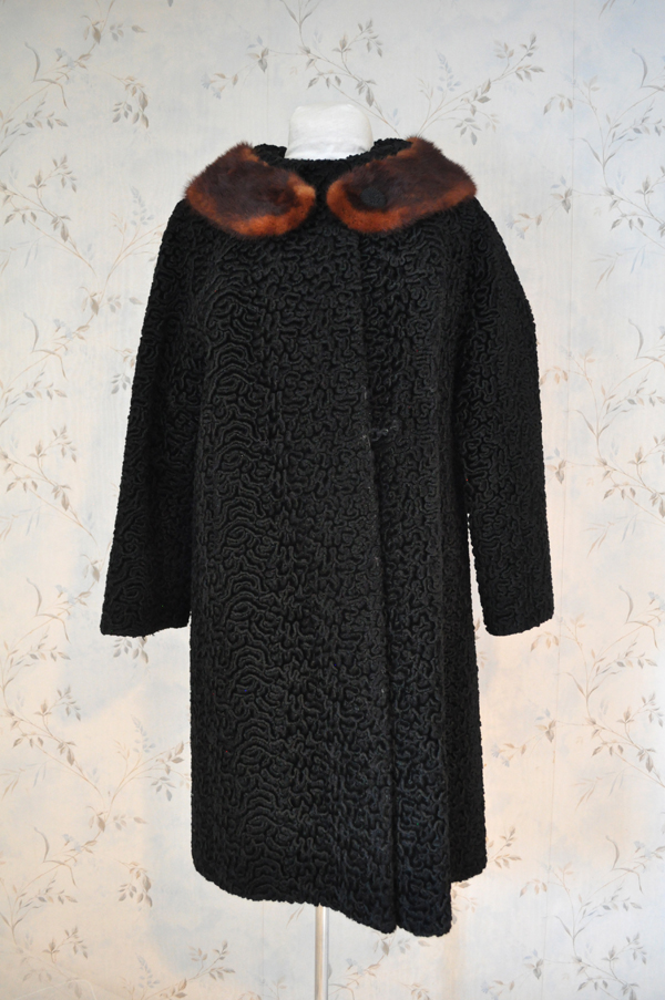 the artyologist- vintage 1967 astra fur coat with real fur collar full length picture