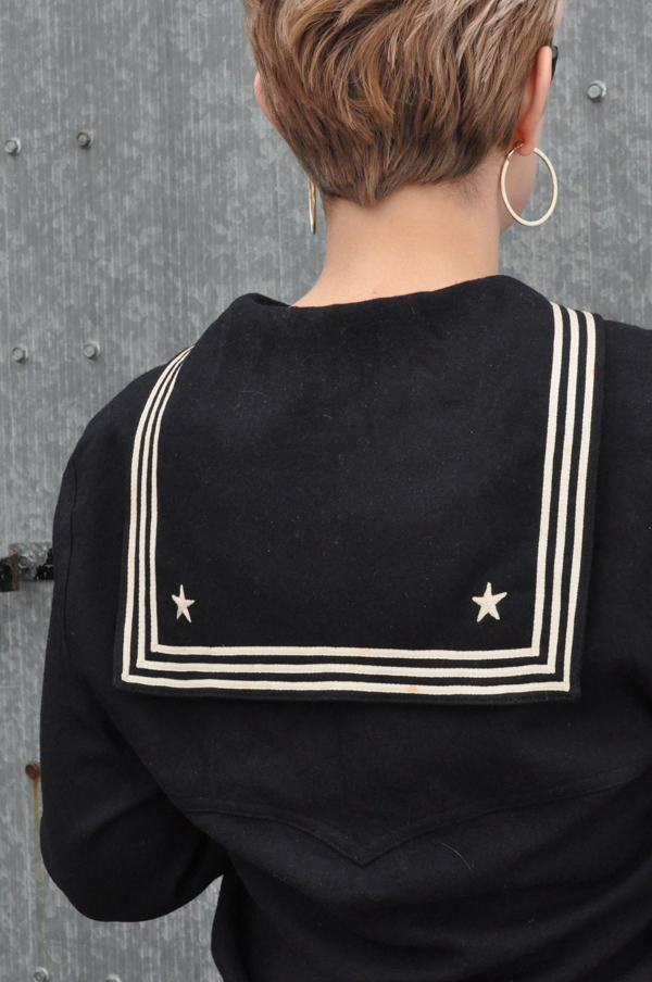 the artyologist- image of back embroidery detail on WWII US vintage sailor uniform middie
