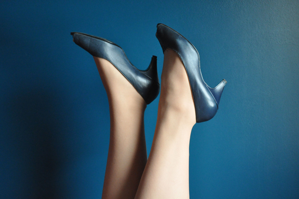 the artyologist- image of shoes in the style of vintage vogue 1939 cover
