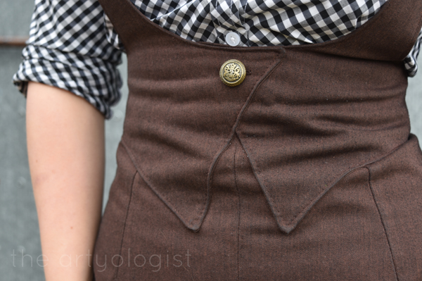 the artyologist image of button detail on 1939 vintage inspired suspender skirt
