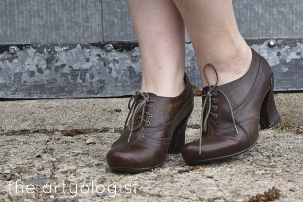 the artyologist image of earthies oxford shoes