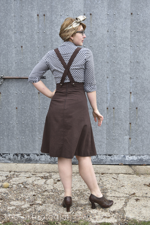 the artyologist image of back view of 1939 vintage suspender skirt