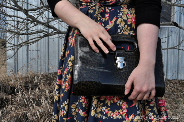 the artyologist- image of vintage hummingbird dress, butterick 4790 and faux patent leopard clutch