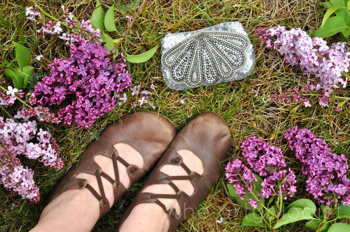 image of shoes lilac and coin purse the artyologist