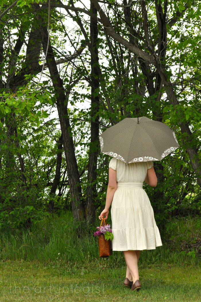 image of seersucker dress back and umbrella the artyologist