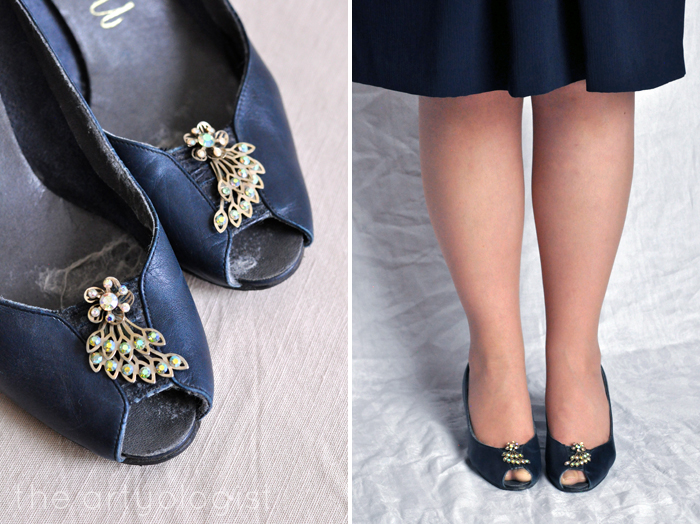 Bringing Back Coupon Busters One Pair of Shoe Clips at a Time, Navy pumps, green clip ons, the artyologist