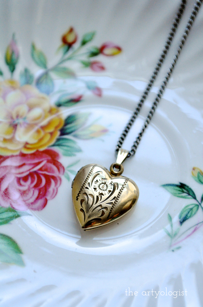 heart locket, a sentimental history of lockets, the artyologist