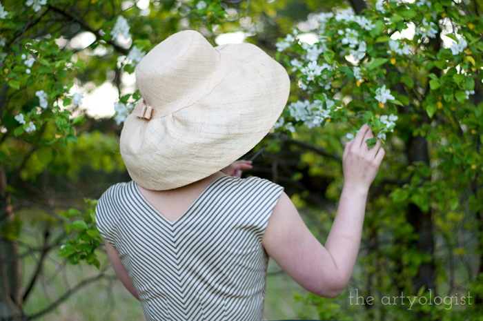Salvaging a Sewing Project with Vogue 8789, the artyologist, back with branches