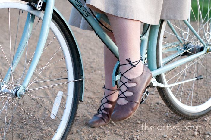 Rural Holiday, the artyologist, a roman holiday outfit, shoe-detail