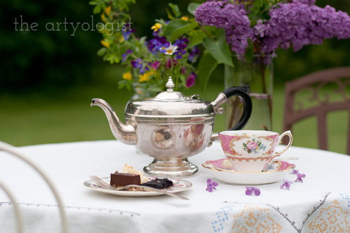 The Ladies Garden Tea (Which is not in a Garden): The Decor, tea-table-2