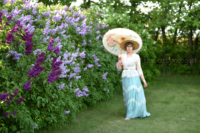 Lilacs and Love letters, the artyologist, walking
