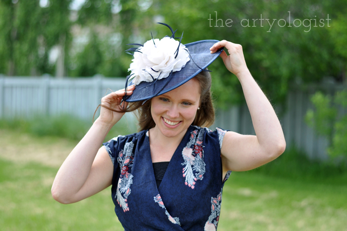 photo shoots with friends, the artyologist, chantelle-adjusting-hat