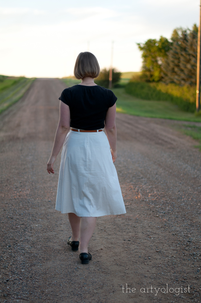 Crossing Over to the Solid Separates Side, the artyologist, everyday outfit walking away